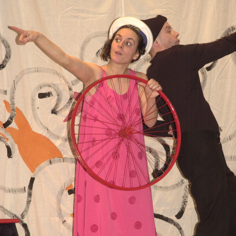 Theater: Quasi-Quasar-Theater - Valerie und die Gute-Nacht-Schaukel